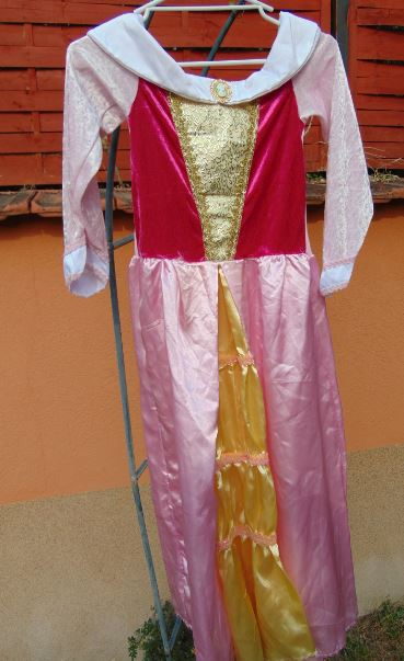 Hercegnős ruha (7-9)